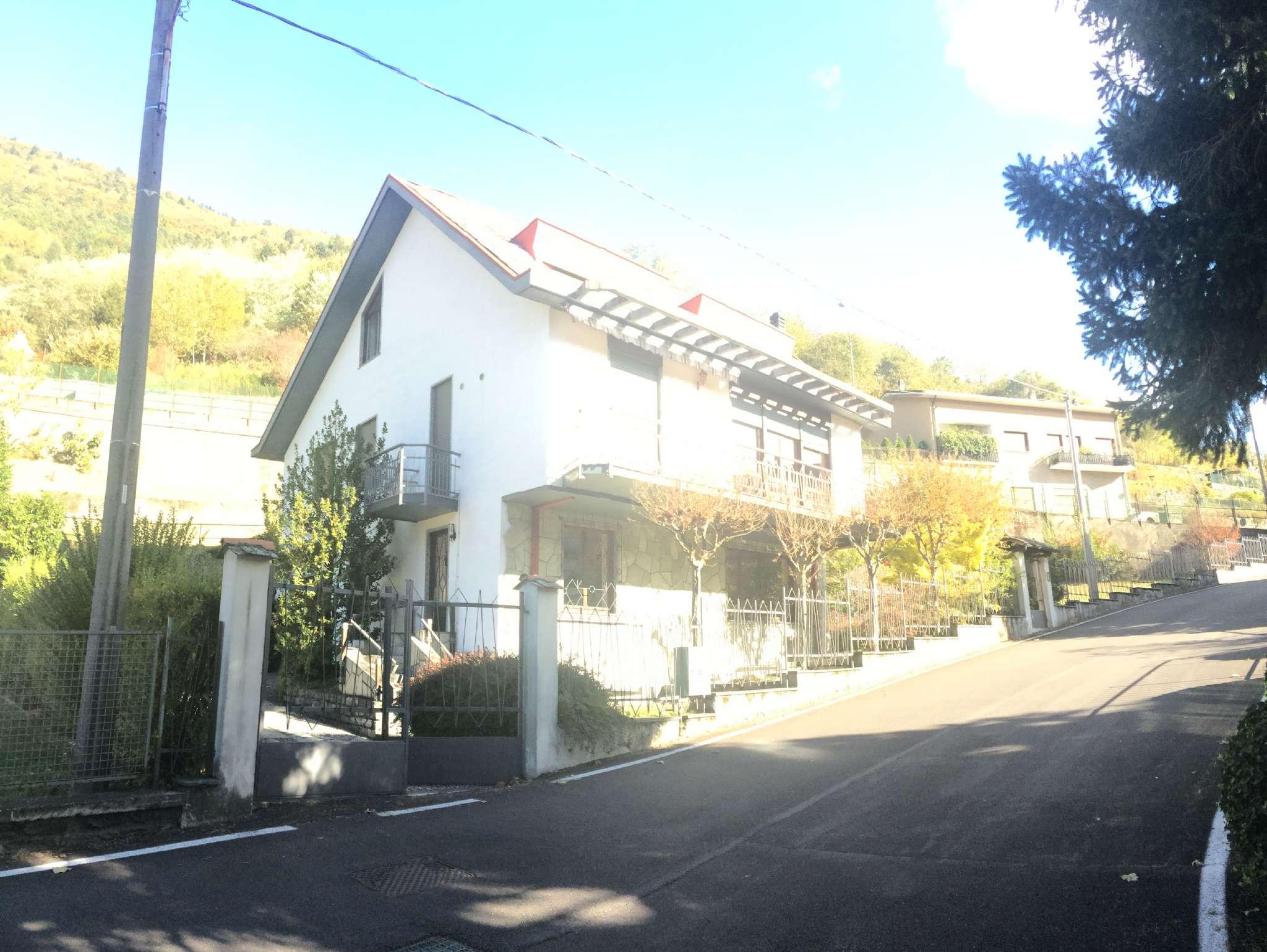 Villa in vendita a Dubino, 9999 locali, prezzo € 299.000 | CambioCasa.it