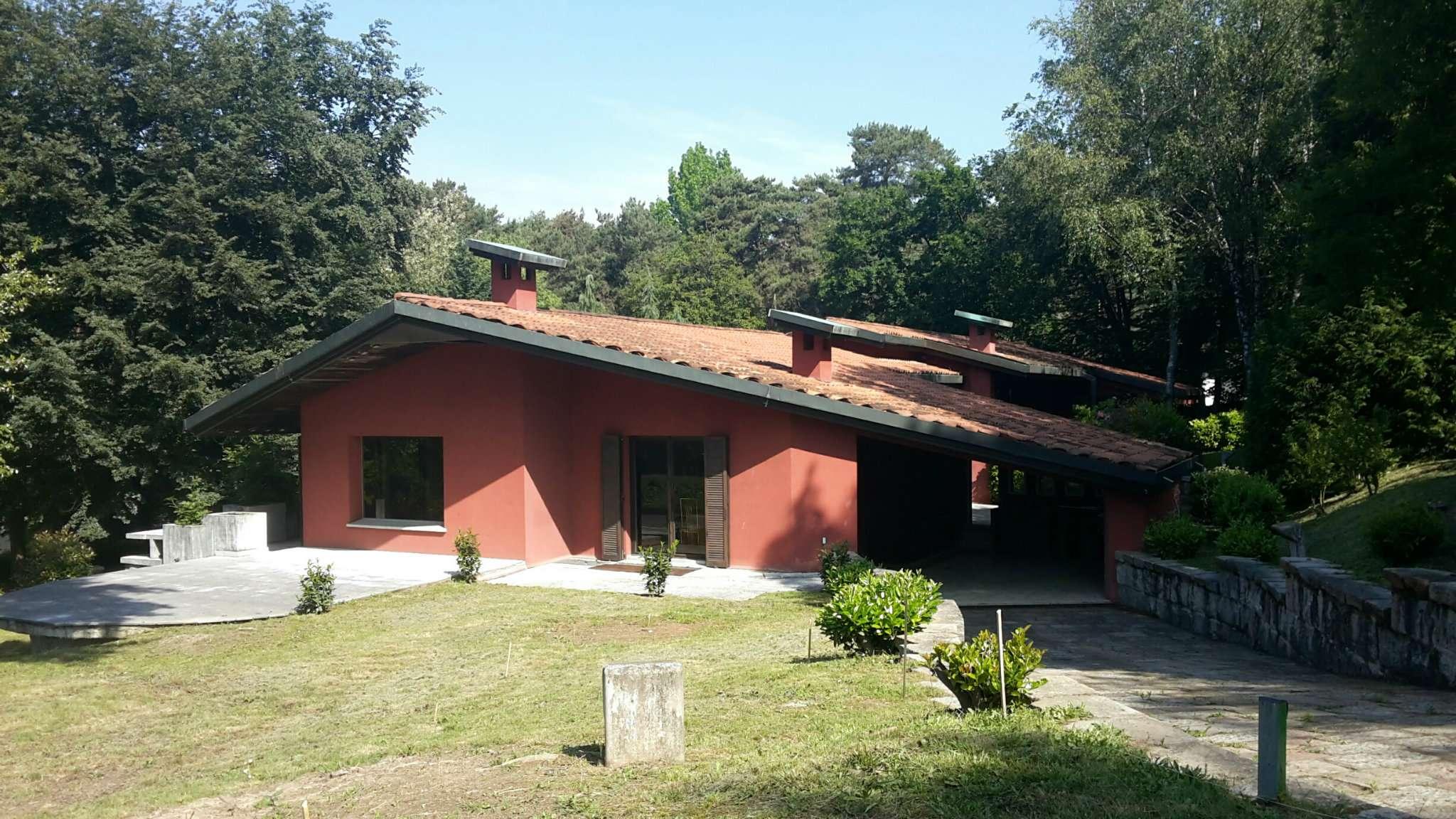 Villa in vendita a Carbonate, 7 locali, prezzo € 1.750.000 | CambioCasa.it