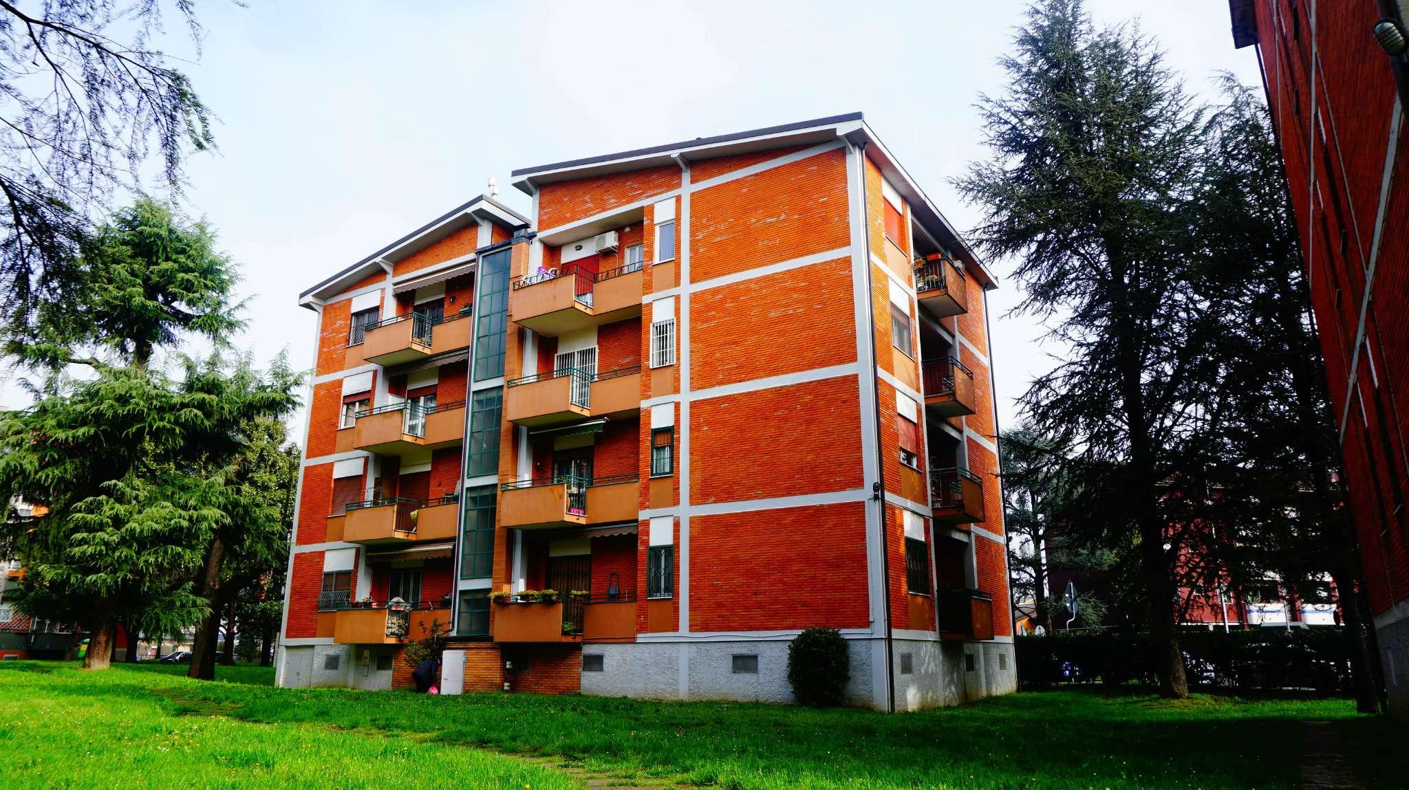 Appartamento in buone condizioni parzialmente arredato in affitto Rif. 8577559
