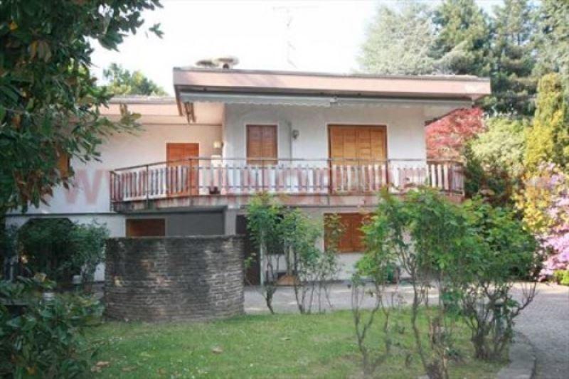 Villa in vendita a Varallo Pombia, 6 locali, prezzo € 340.000   PortaleAgenzieImmobiliari.it