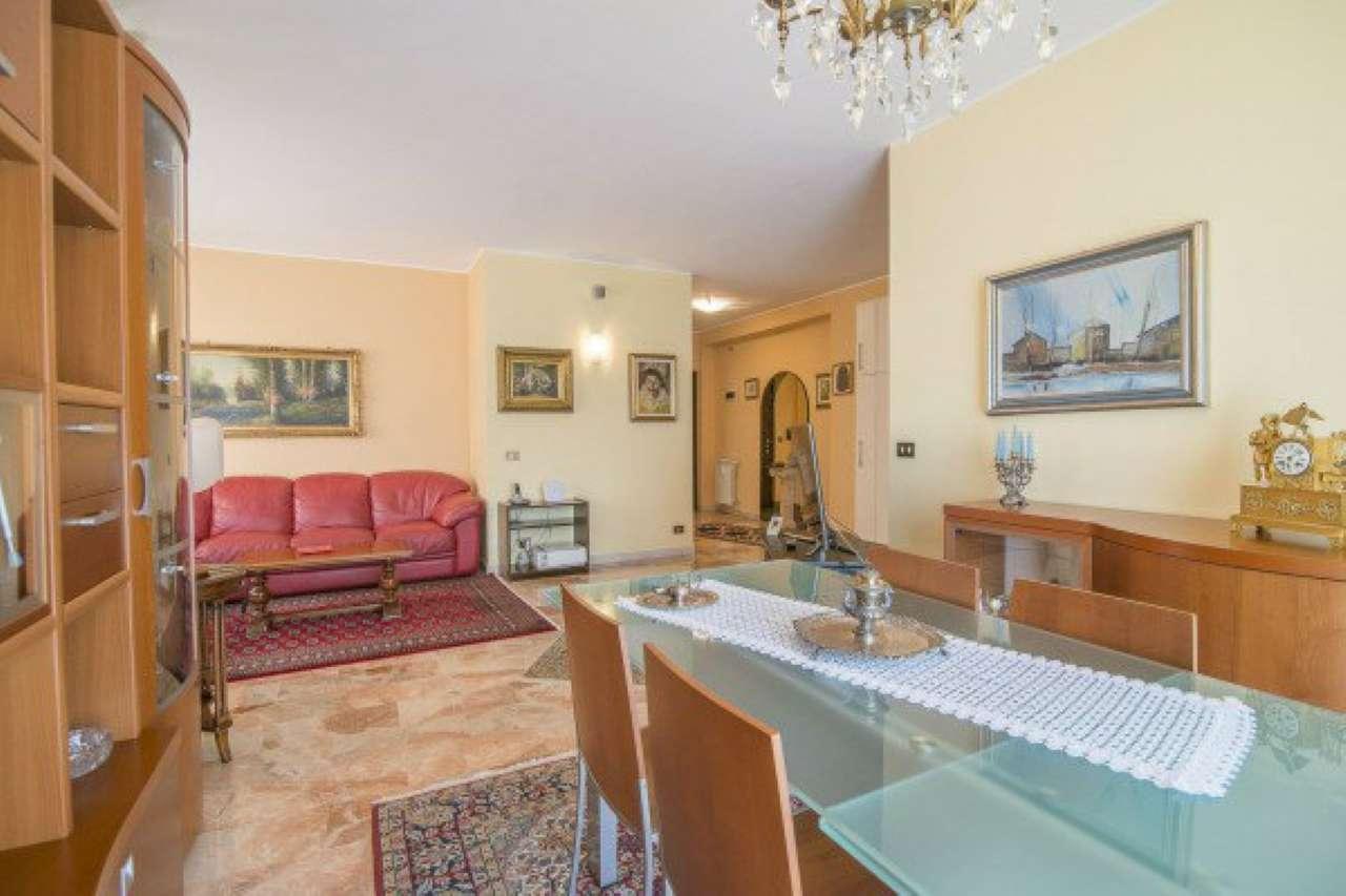 Appartamento in vendita a Cinisello Balsamo, 3 locali, prezzo € 250.000 | CambioCasa.it