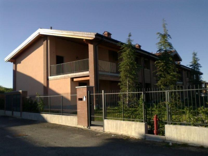 Appartamento in ottime condizioni in affitto Rif. 8761493