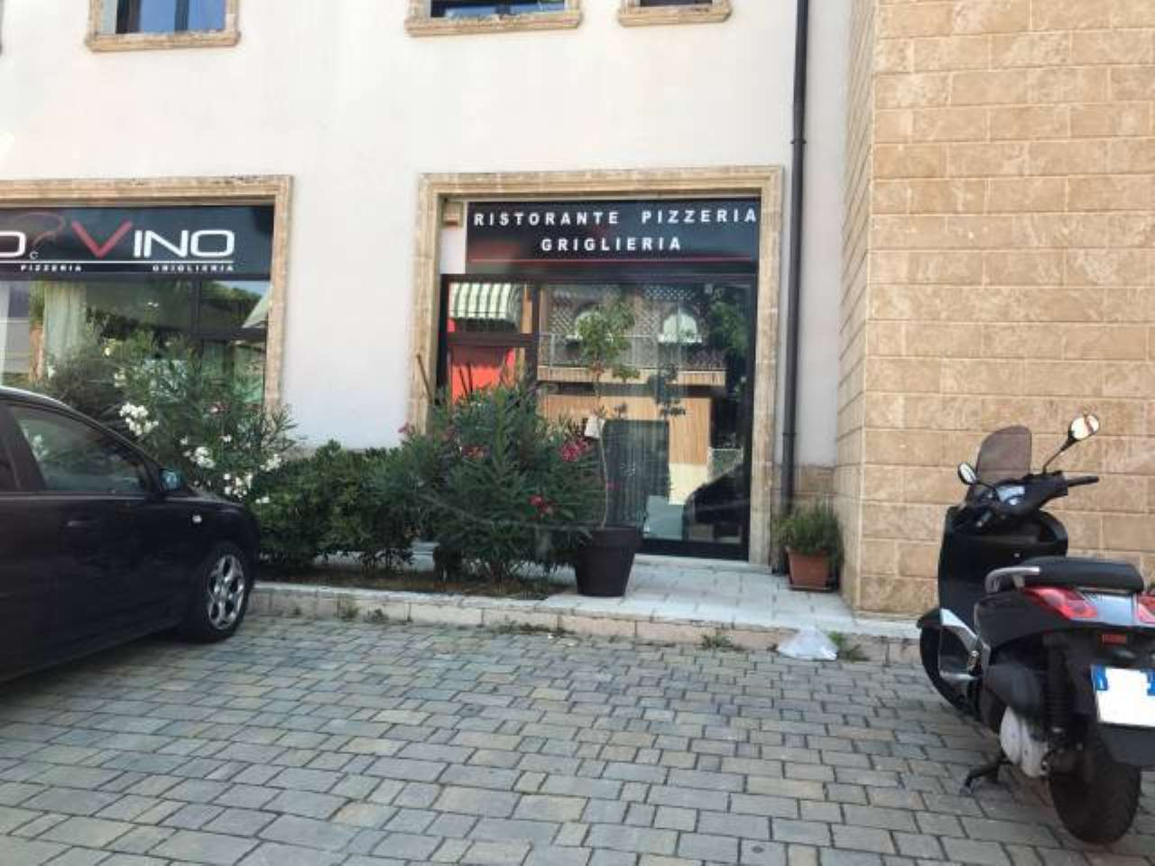 Negozio / Locale in vendita a Pero, 4 locali, prezzo € 850.000 | CambioCasa.it
