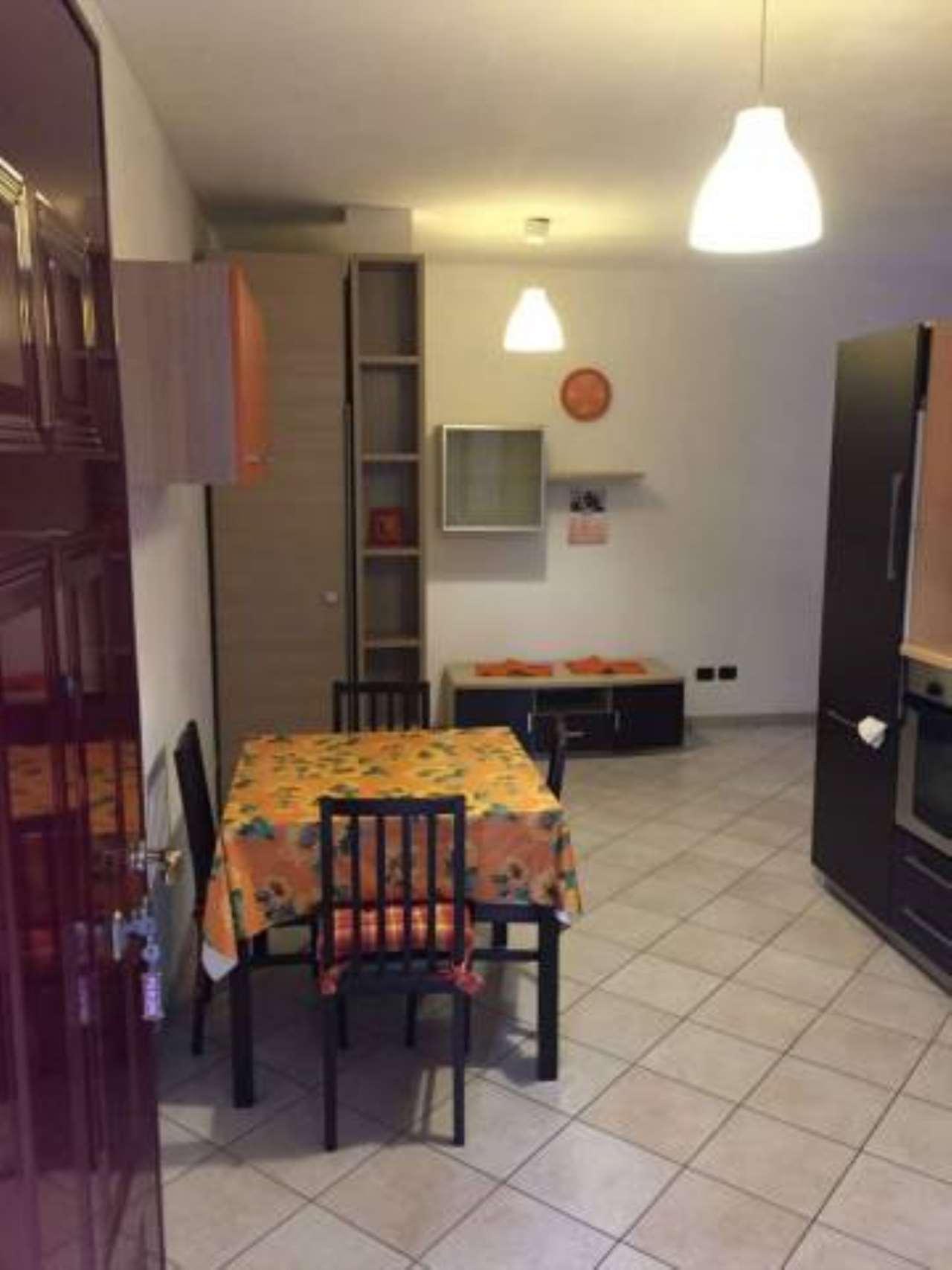 Appartamento in ottime condizioni arredato in affitto Rif. 6665296