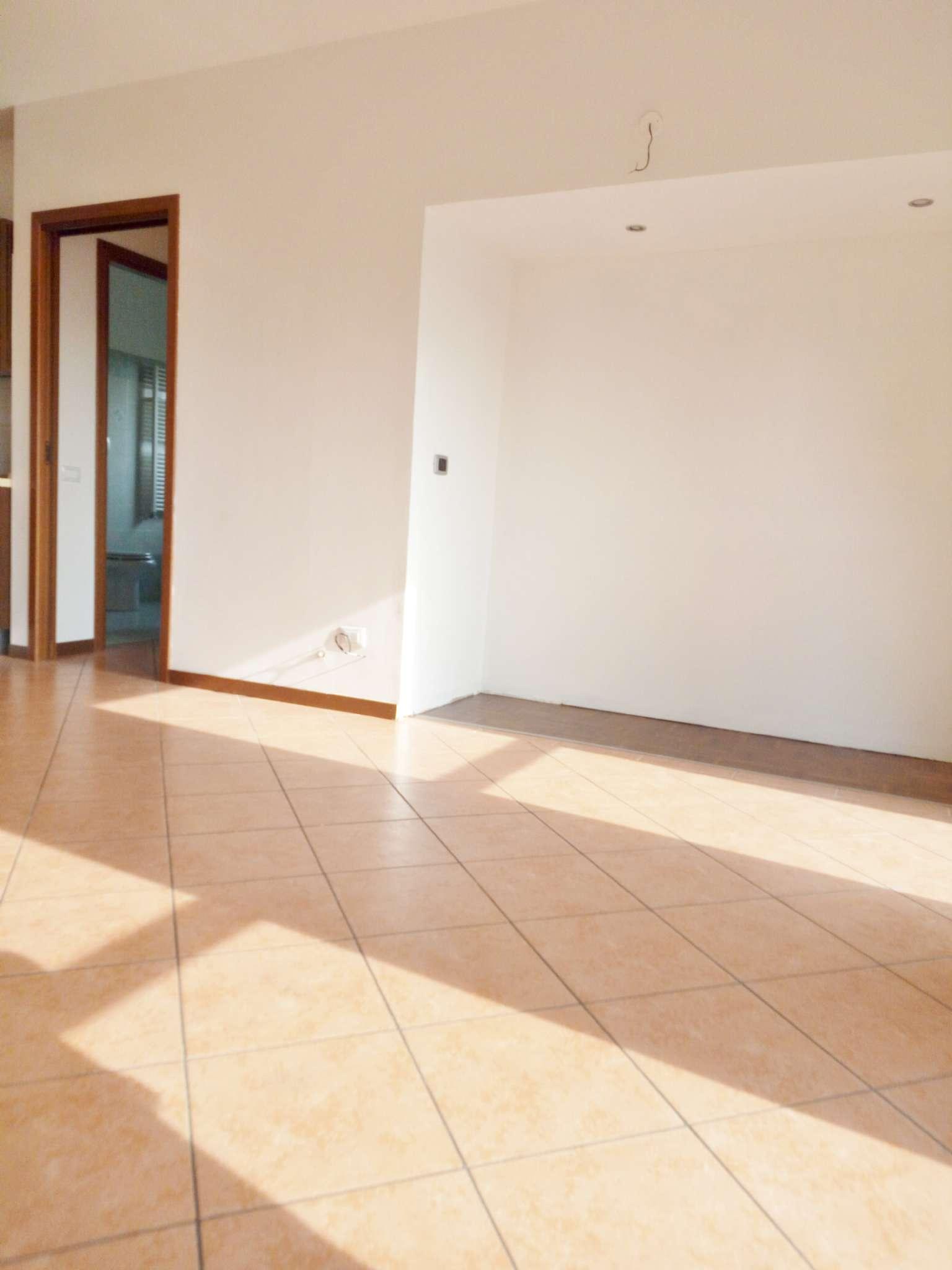 Appartamento in ottime condizioni in vendita Rif. 6727715