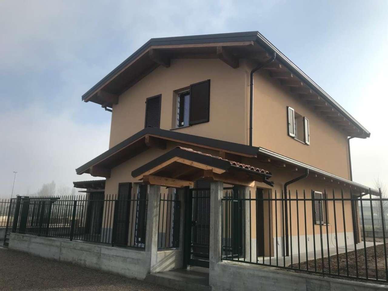 Villa in vendita a Motta Visconti, 4 locali, prezzo € 365.000   PortaleAgenzieImmobiliari.it