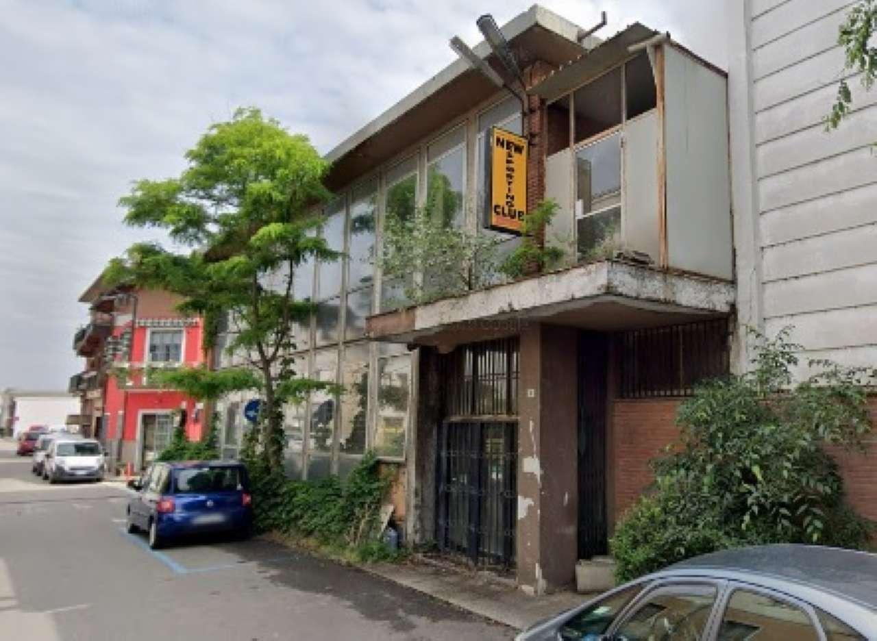 Immobile Commerciale in vendita a Pero, 9999 locali, Trattative riservate | CambioCasa.it