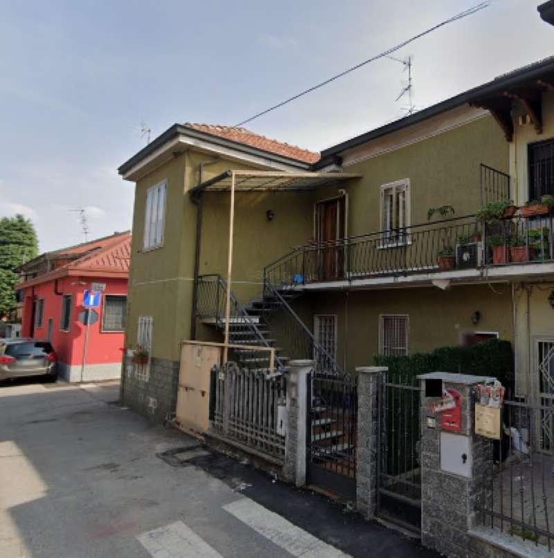 Appartamento in vendita a Pero, 3 locali, prezzo € 135.000   CambioCasa.it