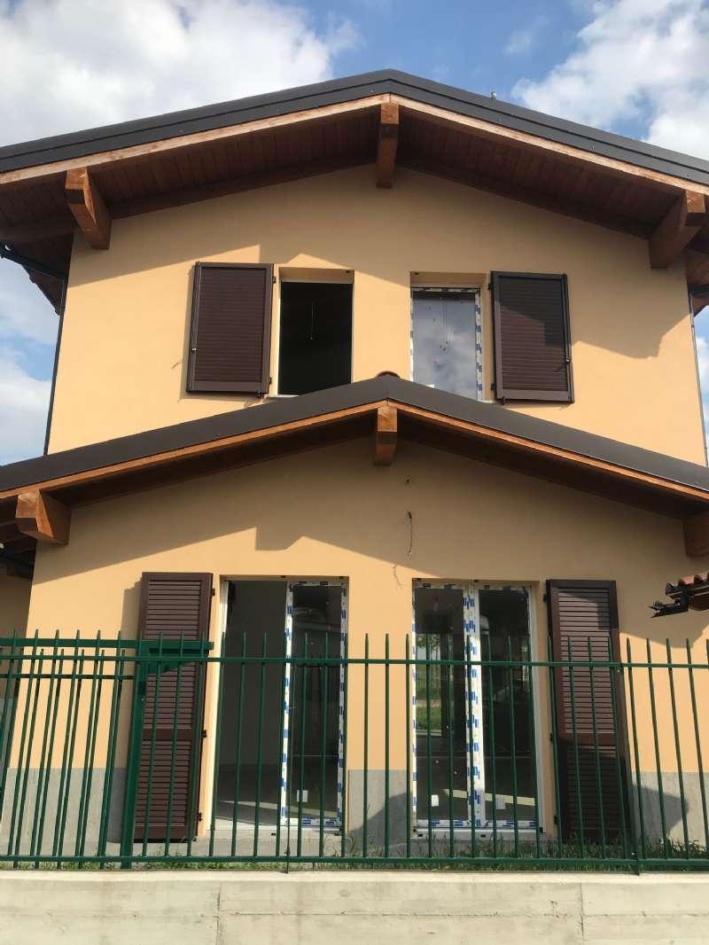 Villa in vendita a Motta Visconti, 4 locali, prezzo € 330.000 | PortaleAgenzieImmobiliari.it