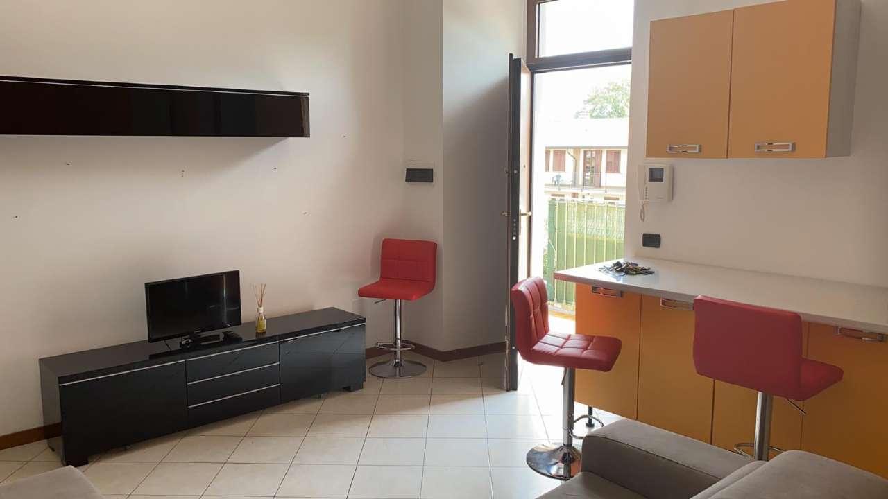 Appartamento in affitto a Rho, 2 locali, prezzo € 700 | CambioCasa.it