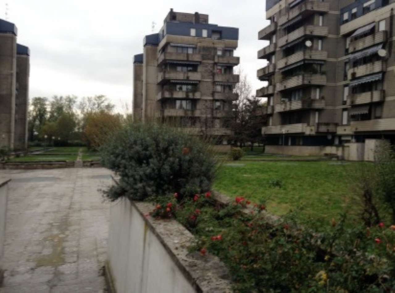 Appartamento in vendita a Rho, 3 locali, prezzo € 75.000 | PortaleAgenzieImmobiliari.it