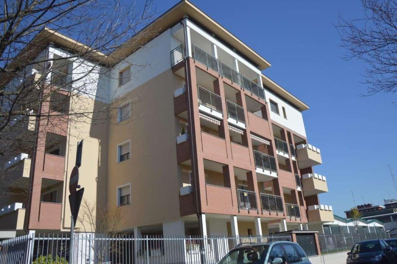 Appartamento in affitto a Assago, 2 locali, prezzo € 700 | CambioCasa.it