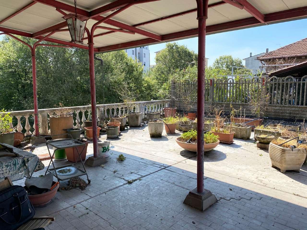 Appartamento in vendita a Cusano Milanino, 5 locali, prezzo € 280.000 | CambioCasa.it