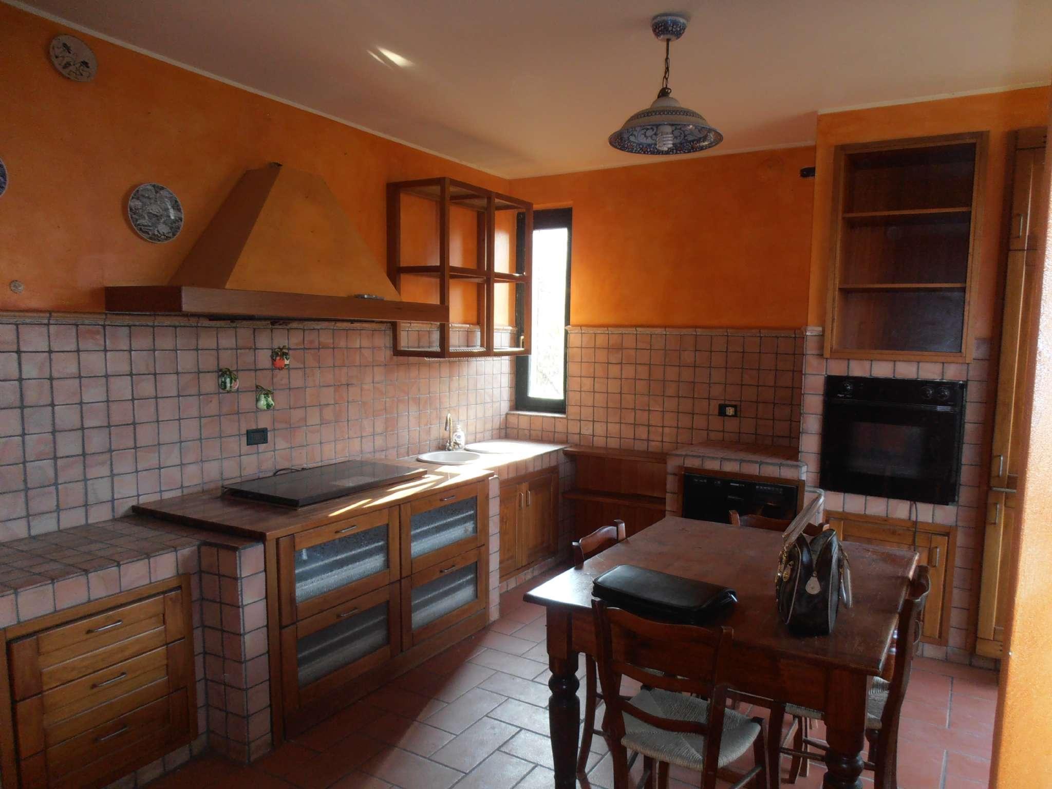 Villa Bifamiliare in vendita a Vermezzo, 5 locali, prezzo € 273.000   CambioCasa.it