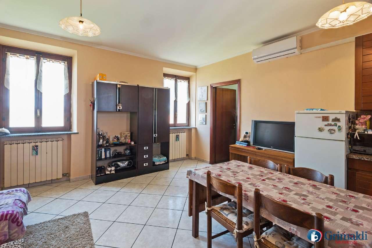 Appartamento ristrutturato arredato in vendita Rif. 6813874