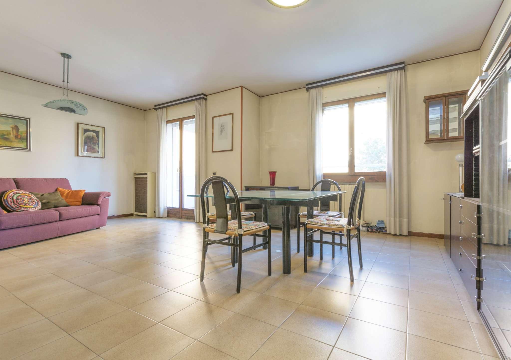 Appartamento in buone condizioni in vendita Rif. 5417843