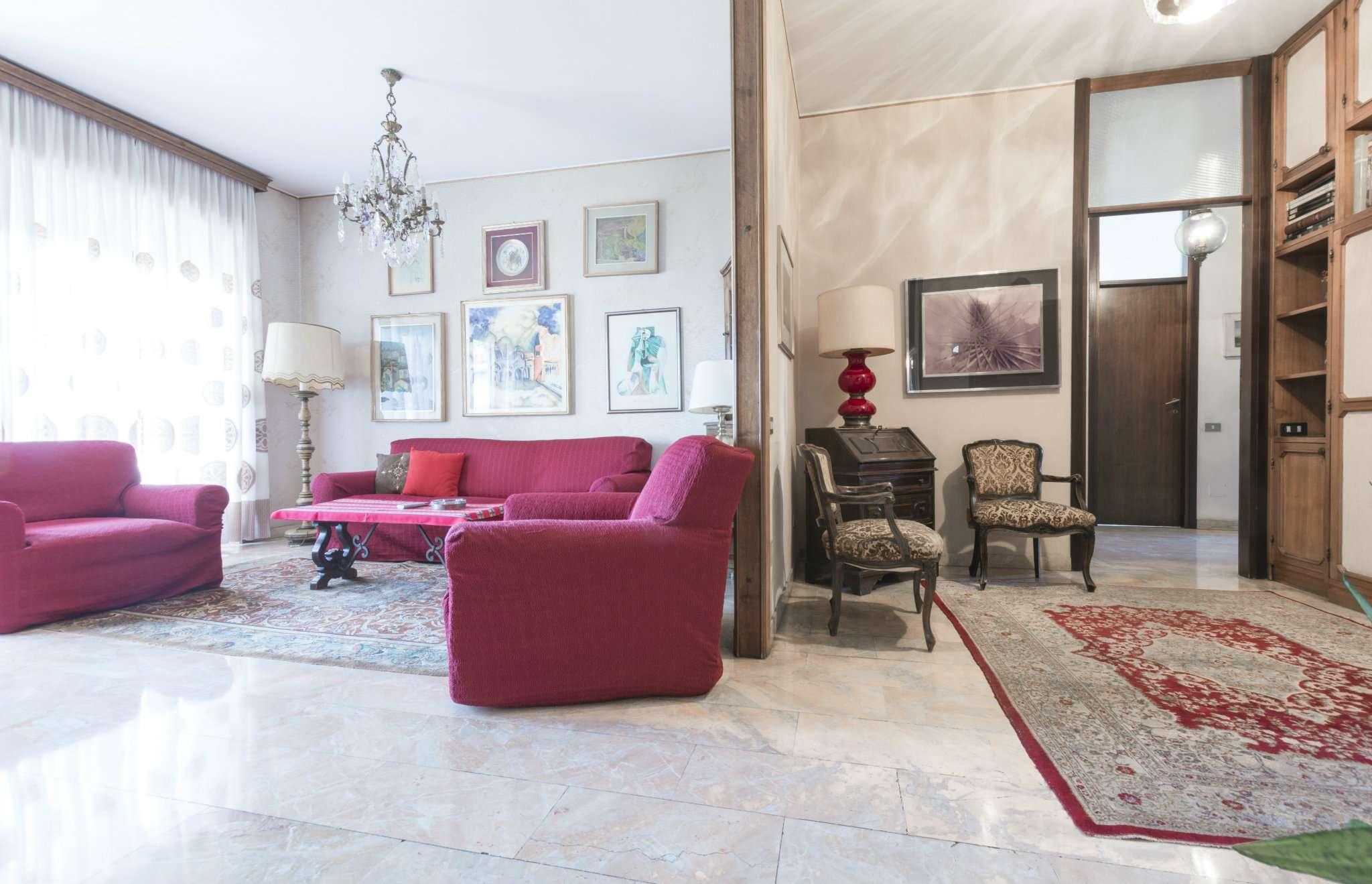 Appartamento in buone condizioni in vendita Rif. 7678260
