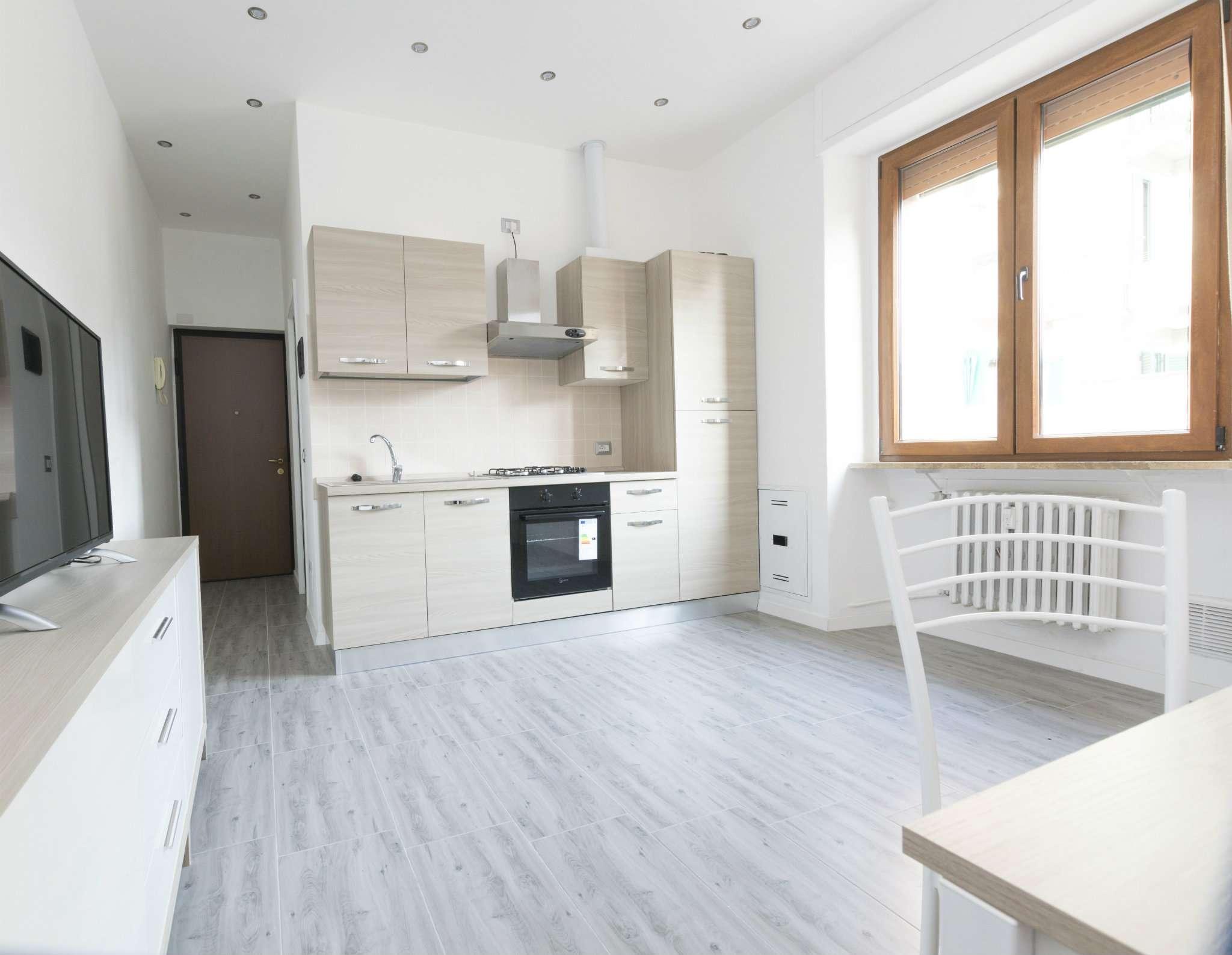 Appartamento in ottime condizioni arredato in vendita Rif. 8315966