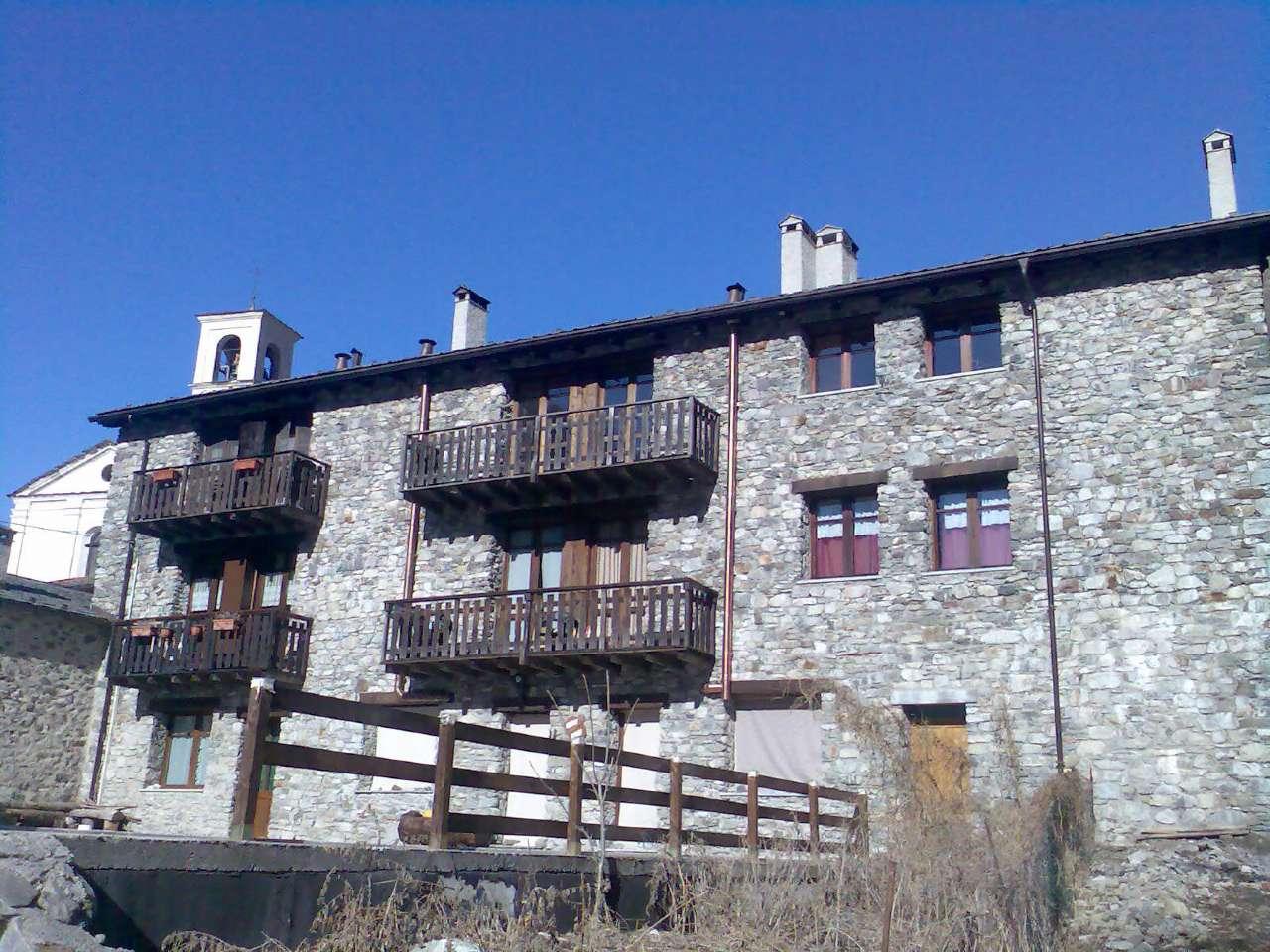 Appartamento in buone condizioni arredato in vendita Rif. 4505865