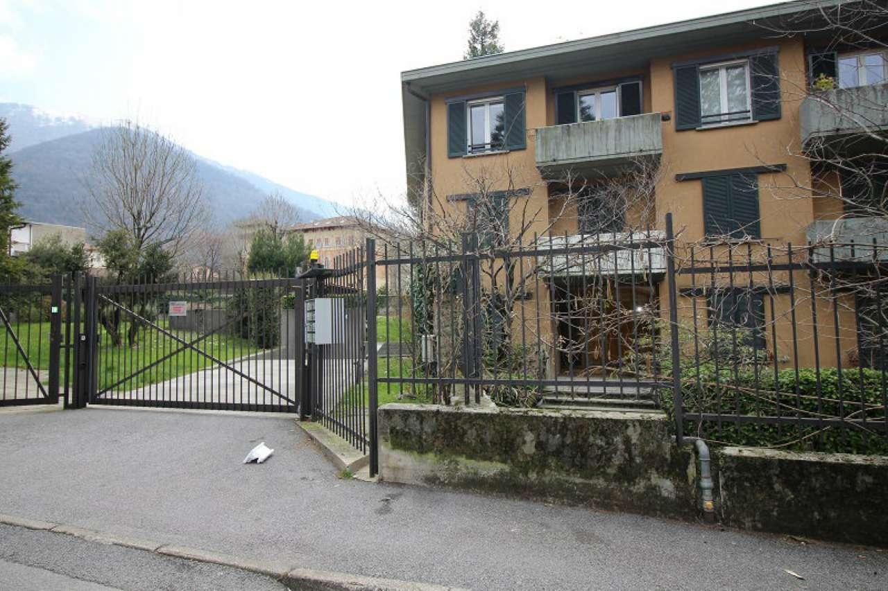 Appartamento in buone condizioni arredato in vendita Rif. 5971726