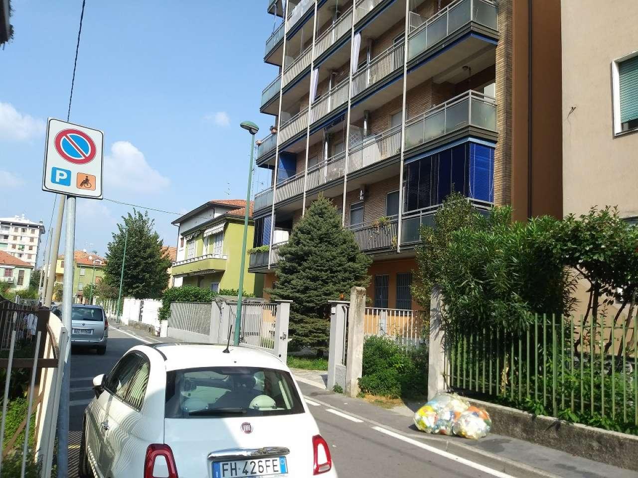 Appartamento in ottime condizioni parzialmente arredato in vendita Rif. 7934123
