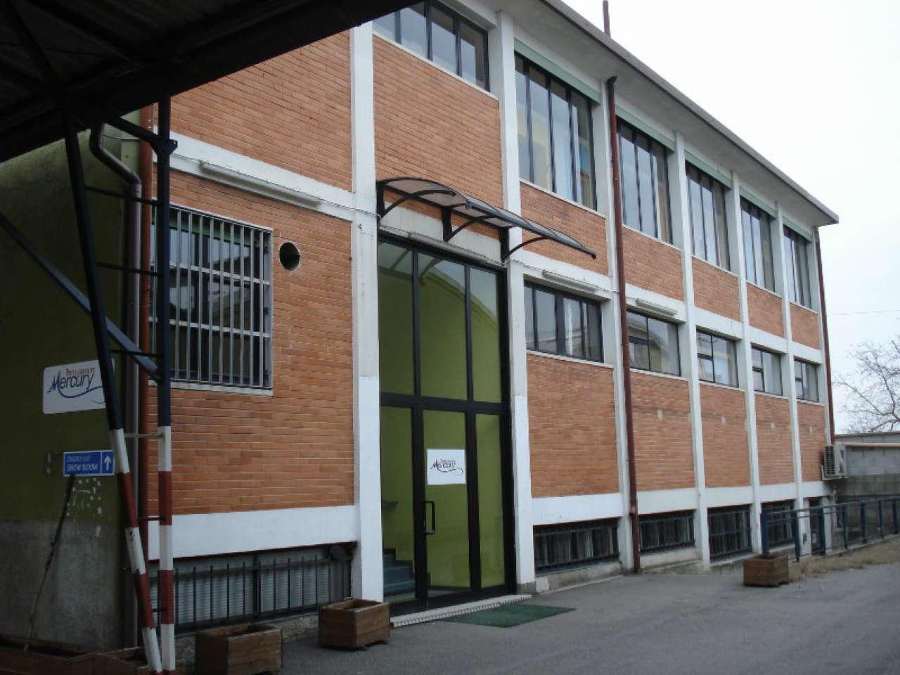 Ufficio / Studio in affitto a Cornaredo, 3 locali, prezzo € 18.000 | PortaleAgenzieImmobiliari.it