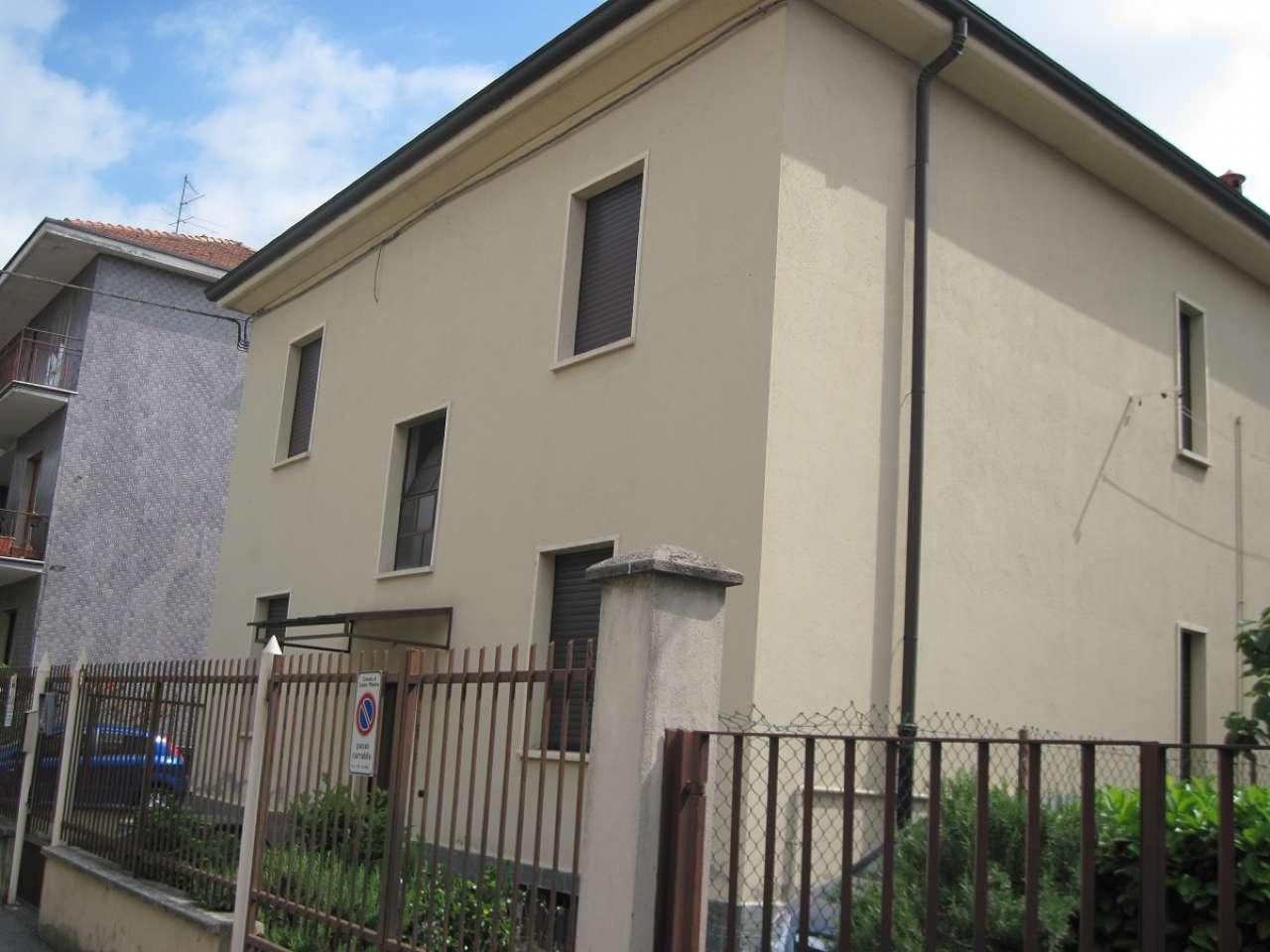 Appartamento in buone condizioni in vendita Rif. 6627868