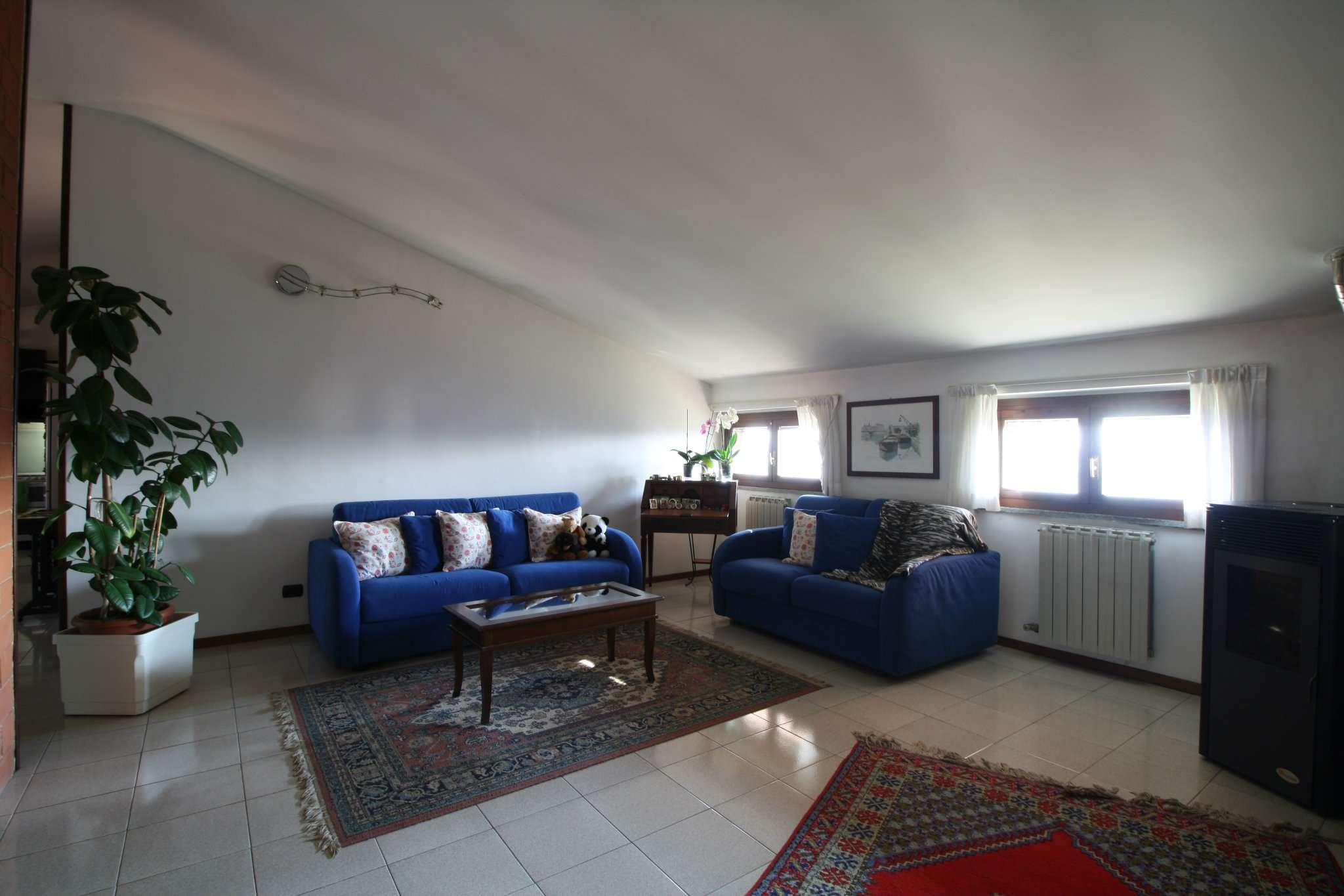 Appartamento in vendita a Zibido San Giacomo, 4 locali, prezzo € 179.000 | CambioCasa.it