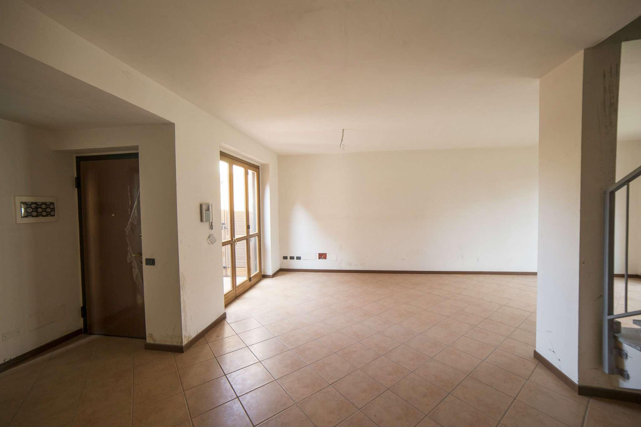 Villa in vendita a Albairate, 5 locali, prezzo € 240.000   CambioCasa.it