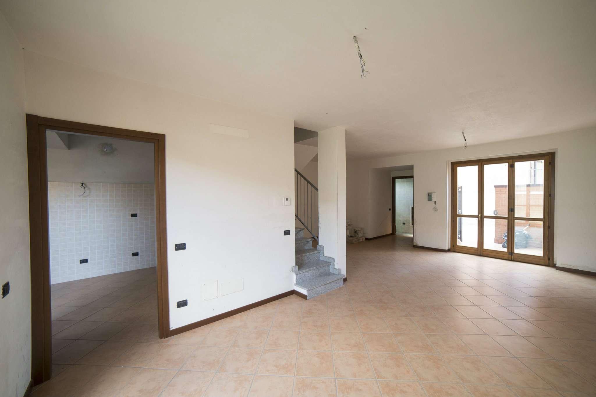 Villa in vendita a Albairate, 5 locali, prezzo € 240.000 | CambioCasa.it