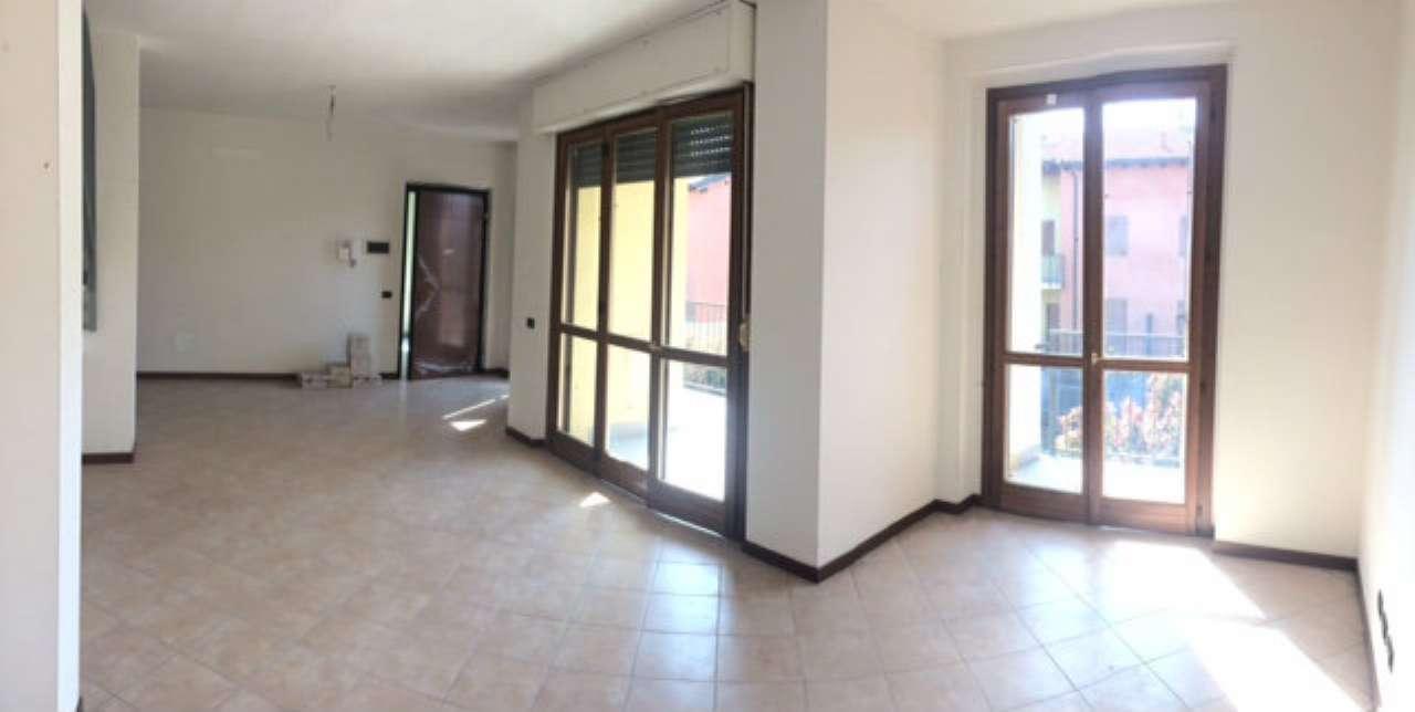 Appartamento in vendita a Corbetta, 4 locali, prezzo € 135.000 | CambioCasa.it