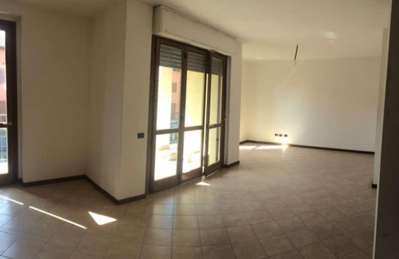 Appartamento in vendita a Corbetta, 4 locali, prezzo € 140.000 | CambioCasa.it