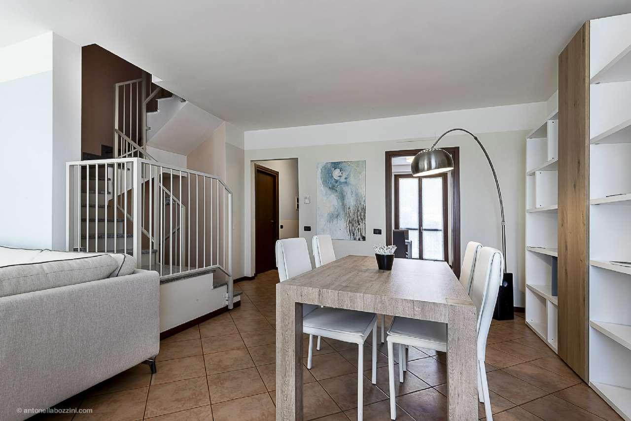 Villa a Schiera in vendita a Corbetta, 5 locali, prezzo € 280.000 | CambioCasa.it