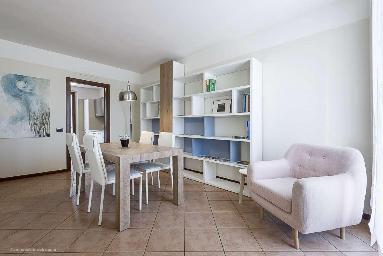 Villa in vendita a Corbetta, 5 locali, prezzo € 260.000 | CambioCasa.it