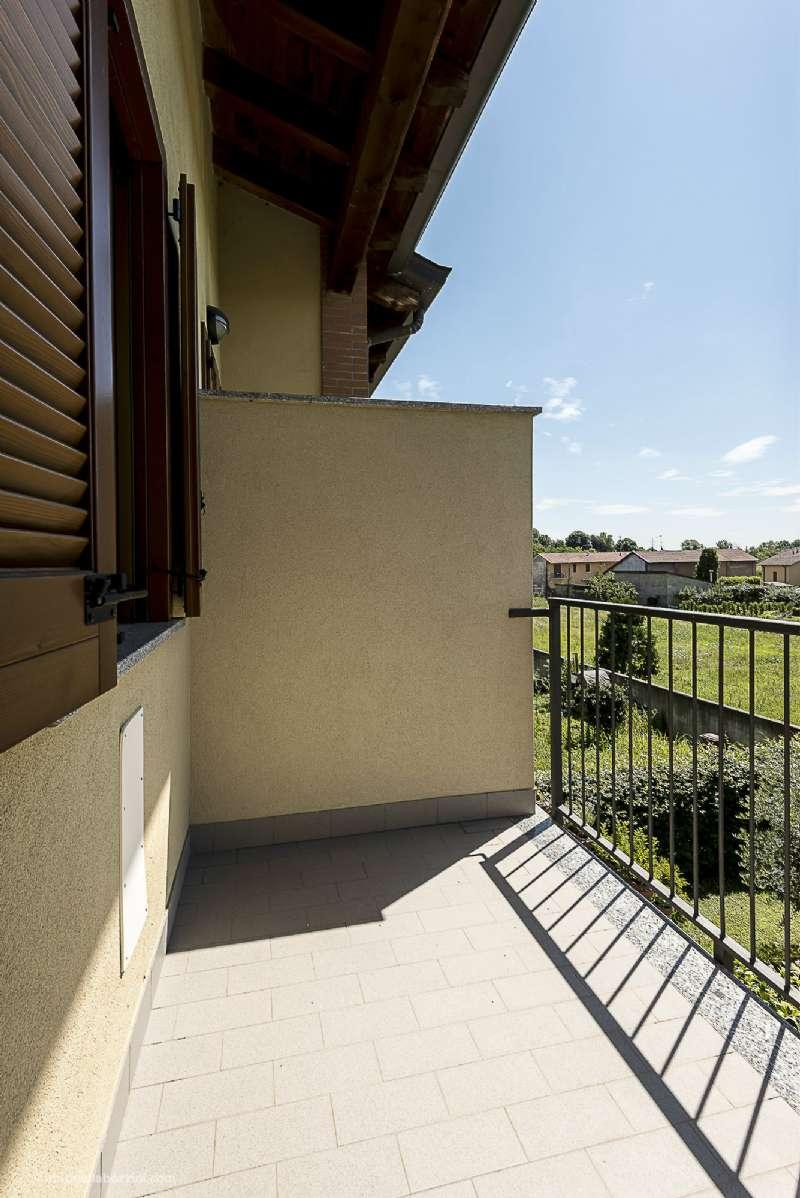 Villa in vendita a Corbetta, 5 locali, Trattative riservate | CambioCasa.it