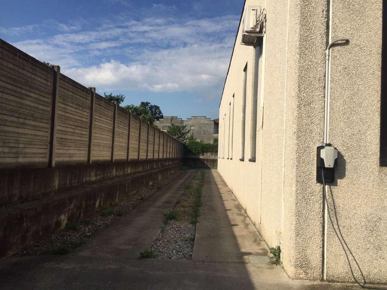 Capannone in affitto a Legnano, 4 locali, Trattative riservate | CambioCasa.it