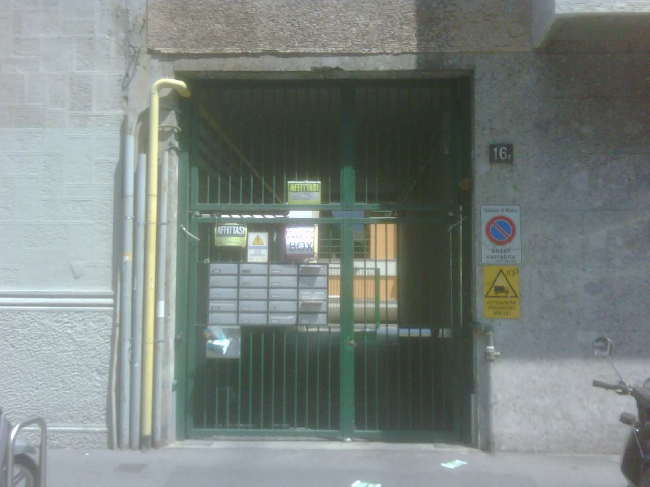 Box e posti auto in buone condizioni in vendita Rif. 8939238
