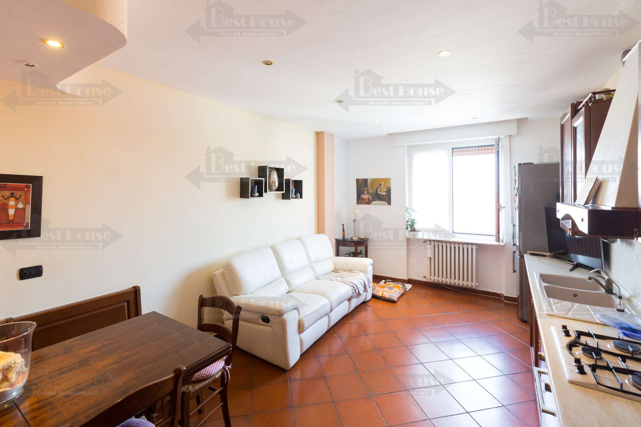 Appartamento in buone condizioni in vendita Rif. 7891761