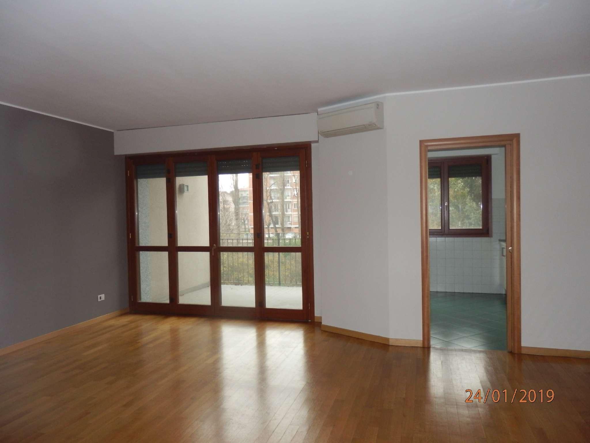 Appartamento in affitto a Pero, 3 locali, prezzo € 1.150 | CambioCasa.it