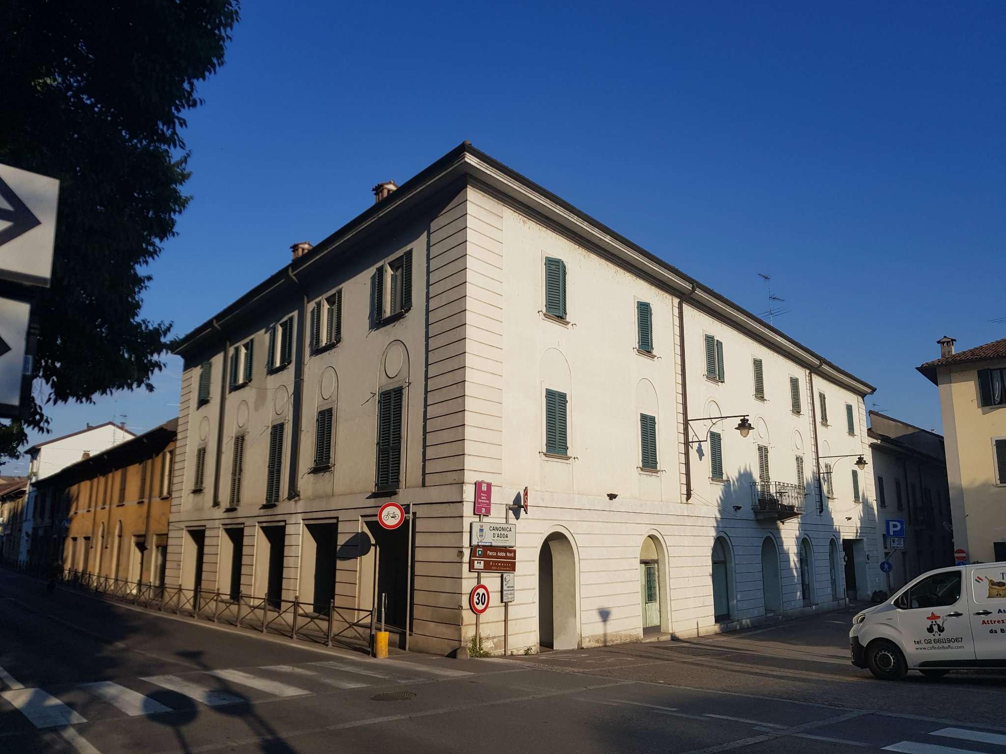 Appartamento in buone condizioni in vendita Rif. 7045347