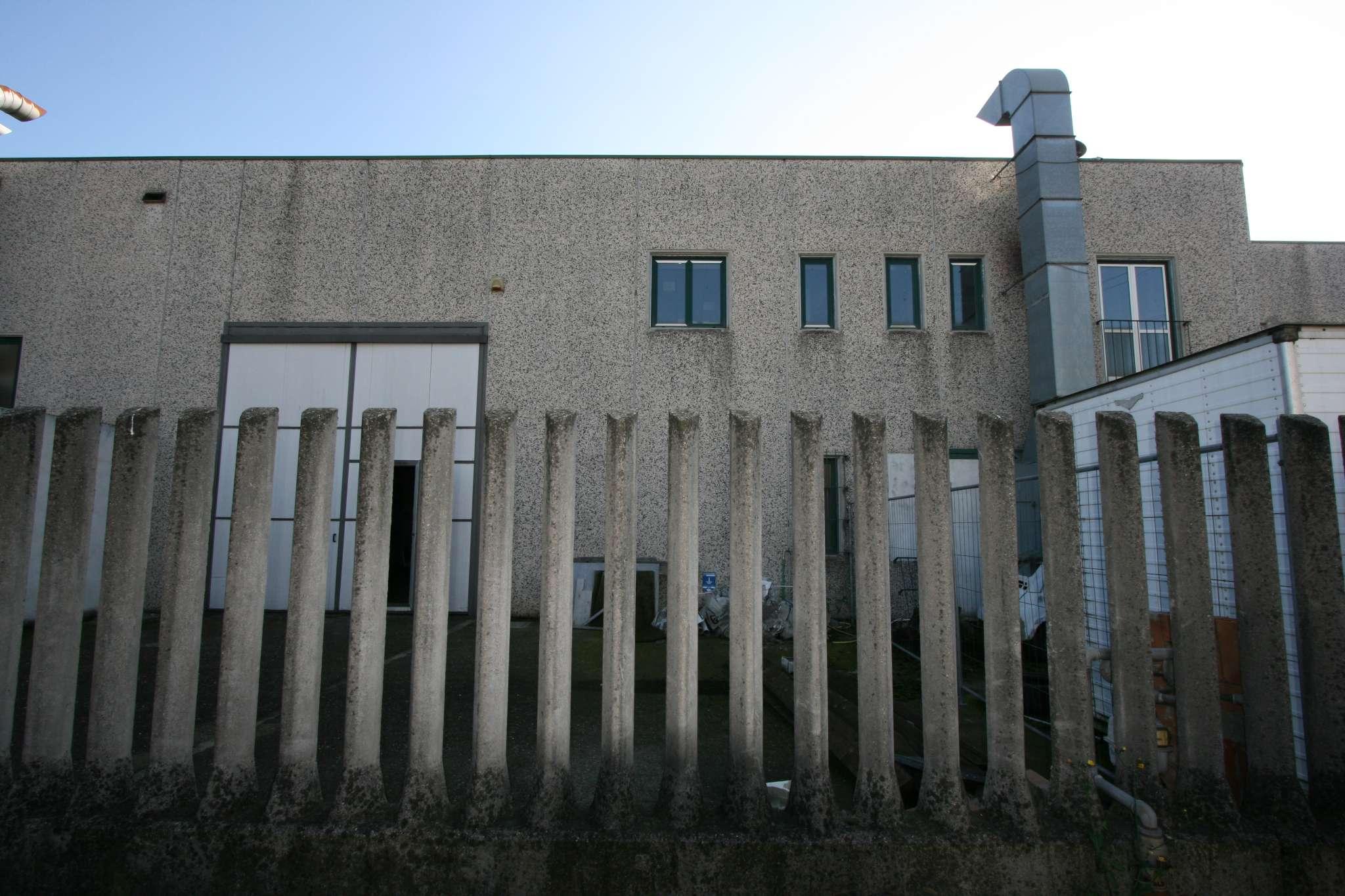 Capannone in affitto a Trezzo sull'Adda, 3 locali, prezzo € 950 | PortaleAgenzieImmobiliari.it