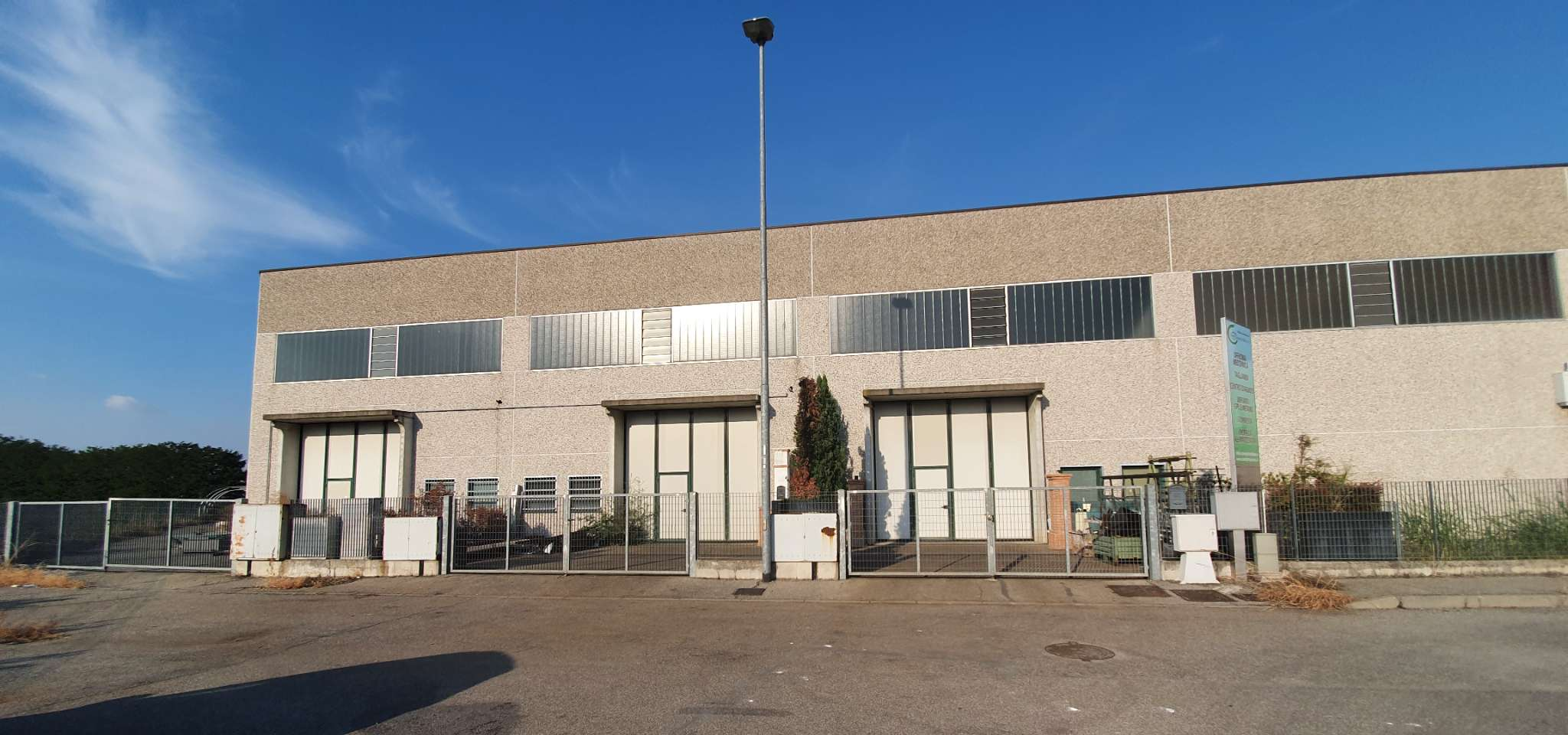 Capannone in affitto a Santa Cristina e Bissone, 10 locali, prezzo € 1.250 | PortaleAgenzieImmobiliari.it