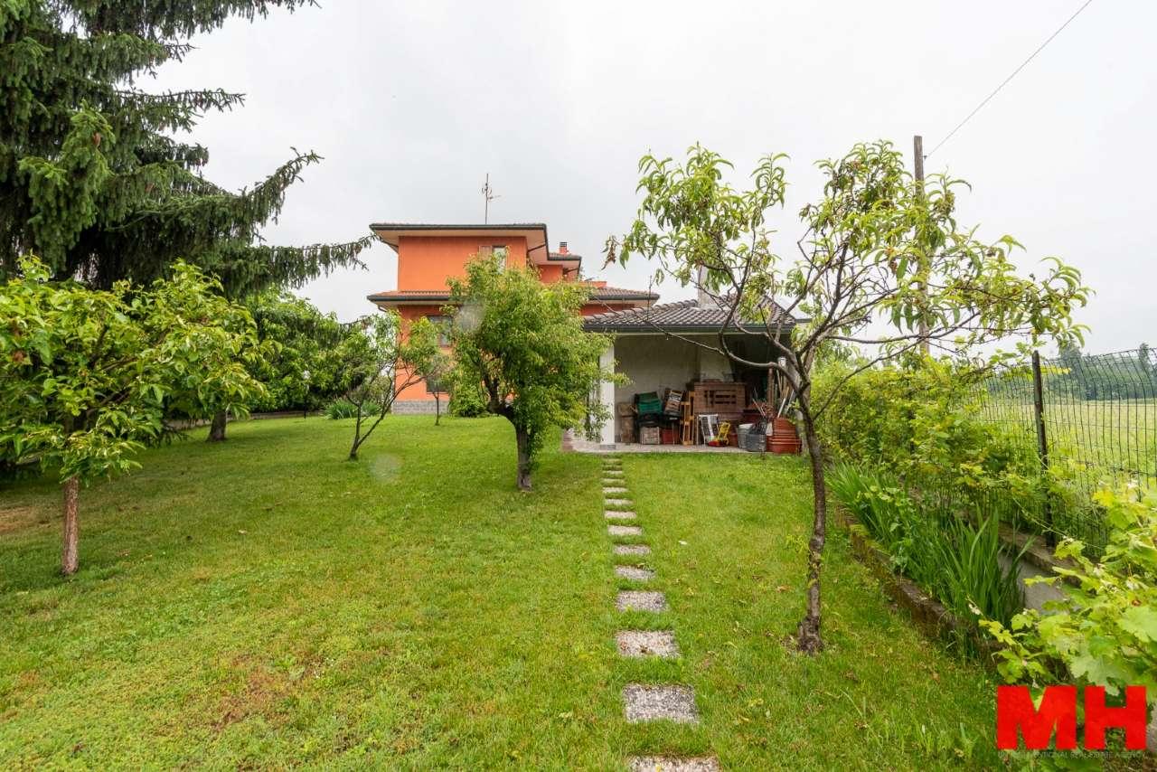 Villa in vendita a Assago, 7 locali, prezzo € 880.000   PortaleAgenzieImmobiliari.it