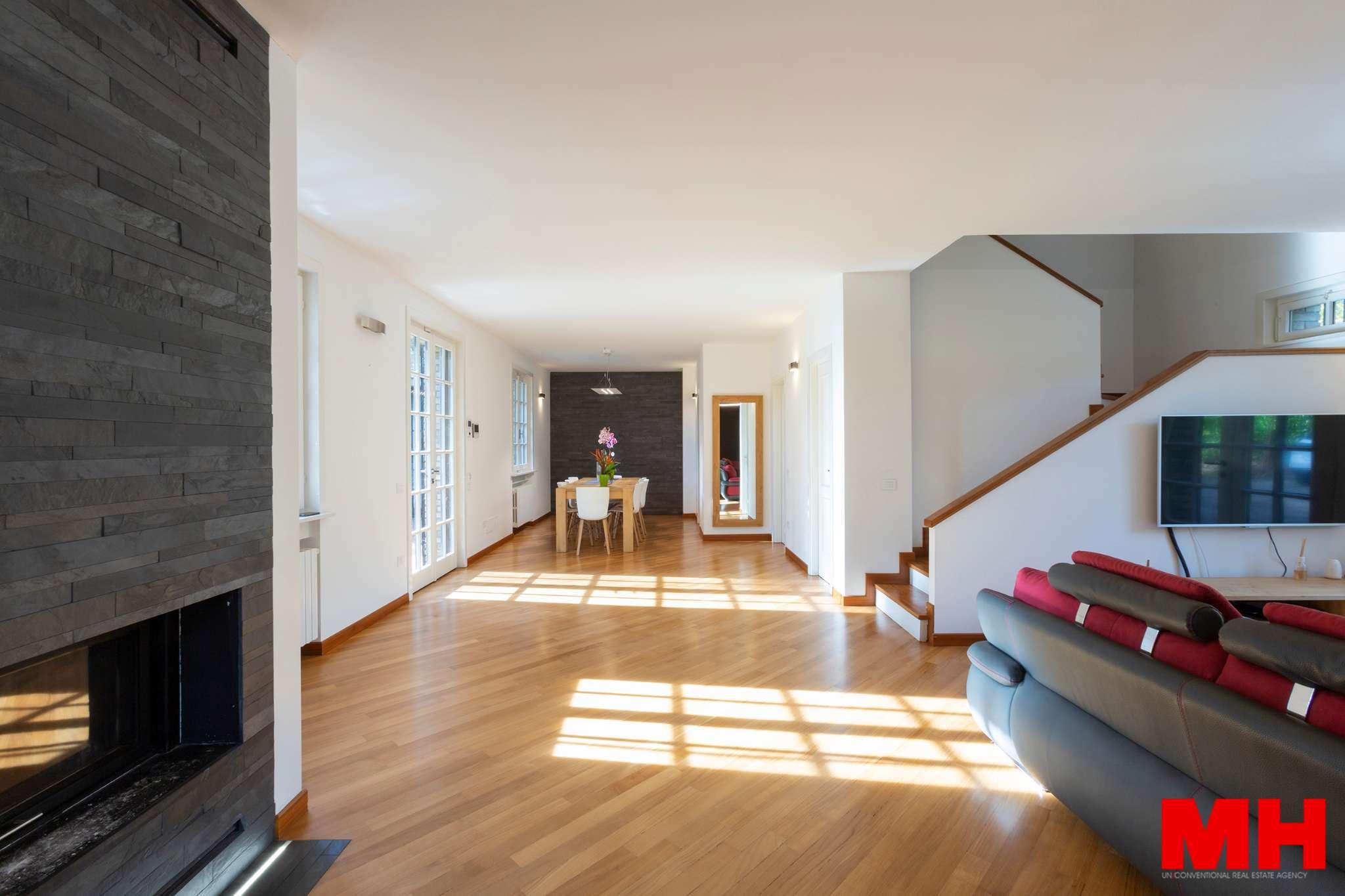 Villa Bifamiliare in vendita a Venegono Superiore, 8 locali, prezzo € 520.000 | CambioCasa.it