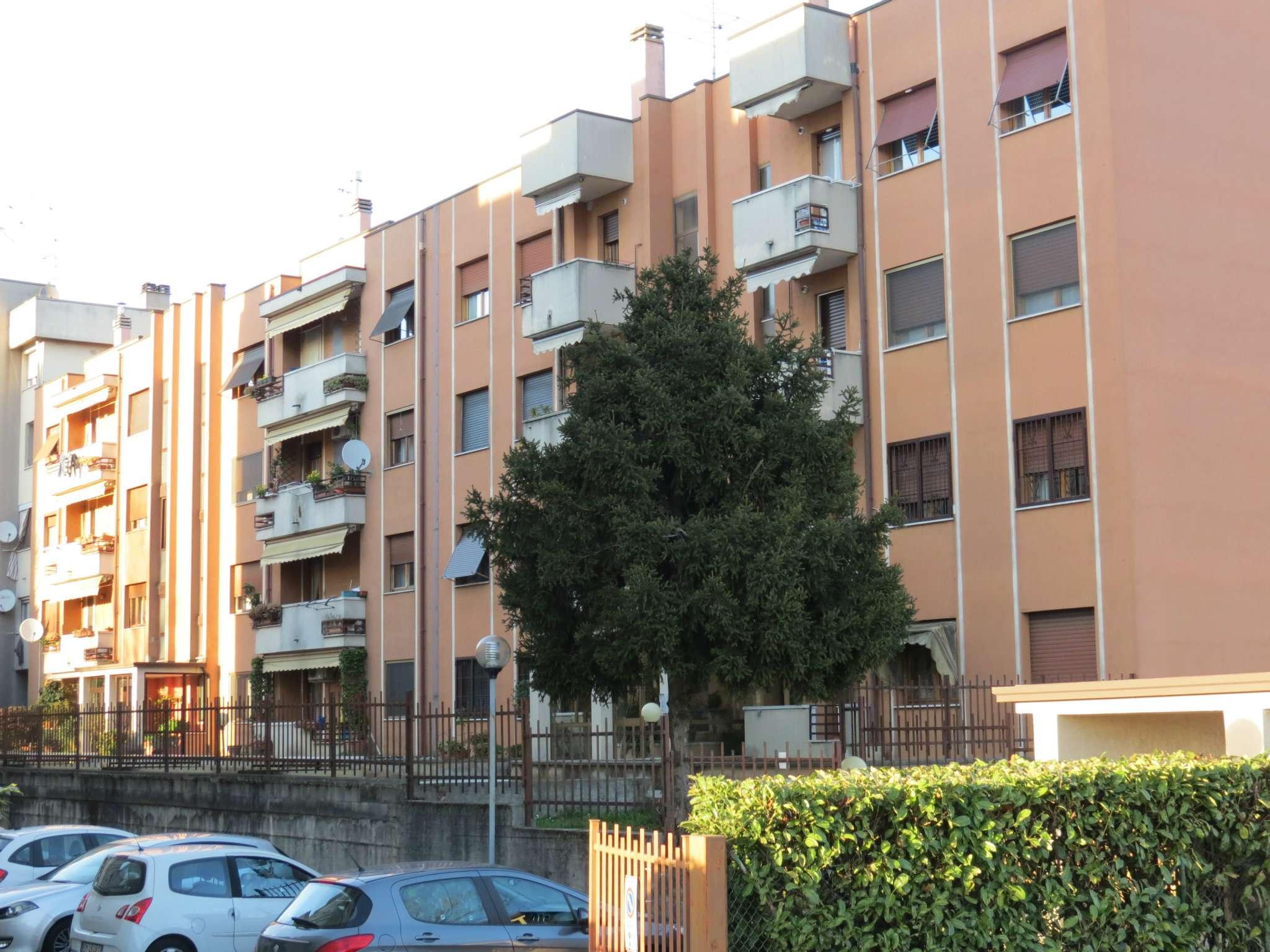 Appartamento in vendita a Bareggio, 3 locali, prezzo € 175.000 | CambioCasa.it
