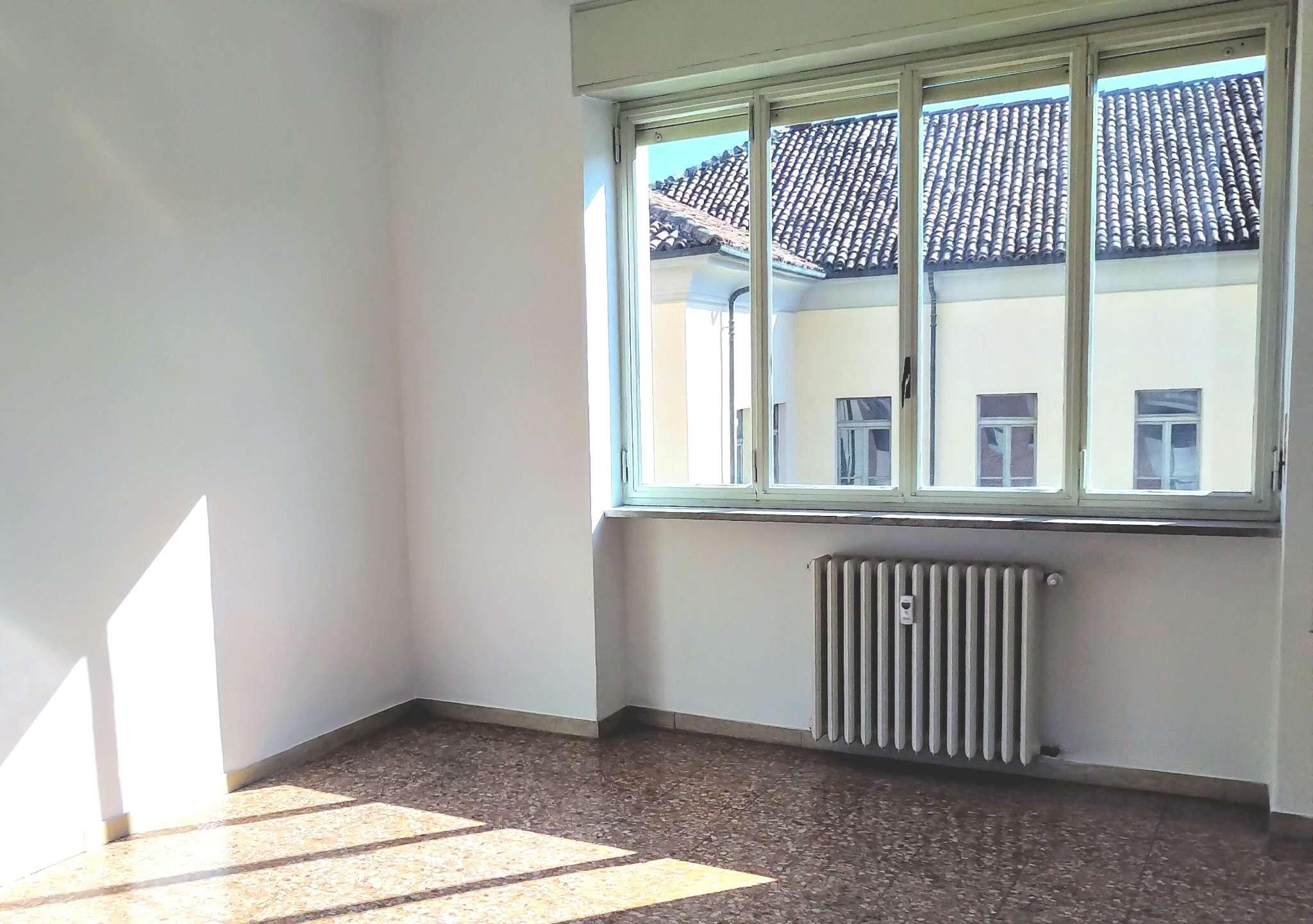 Appartamento in affitto a Alba, 2 locali, prezzo € 500   CambioCasa.it