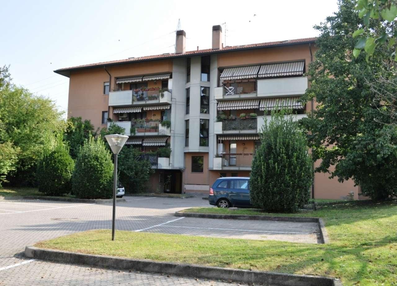 Appartamento in buone condizioni in vendita Rif. 7910531