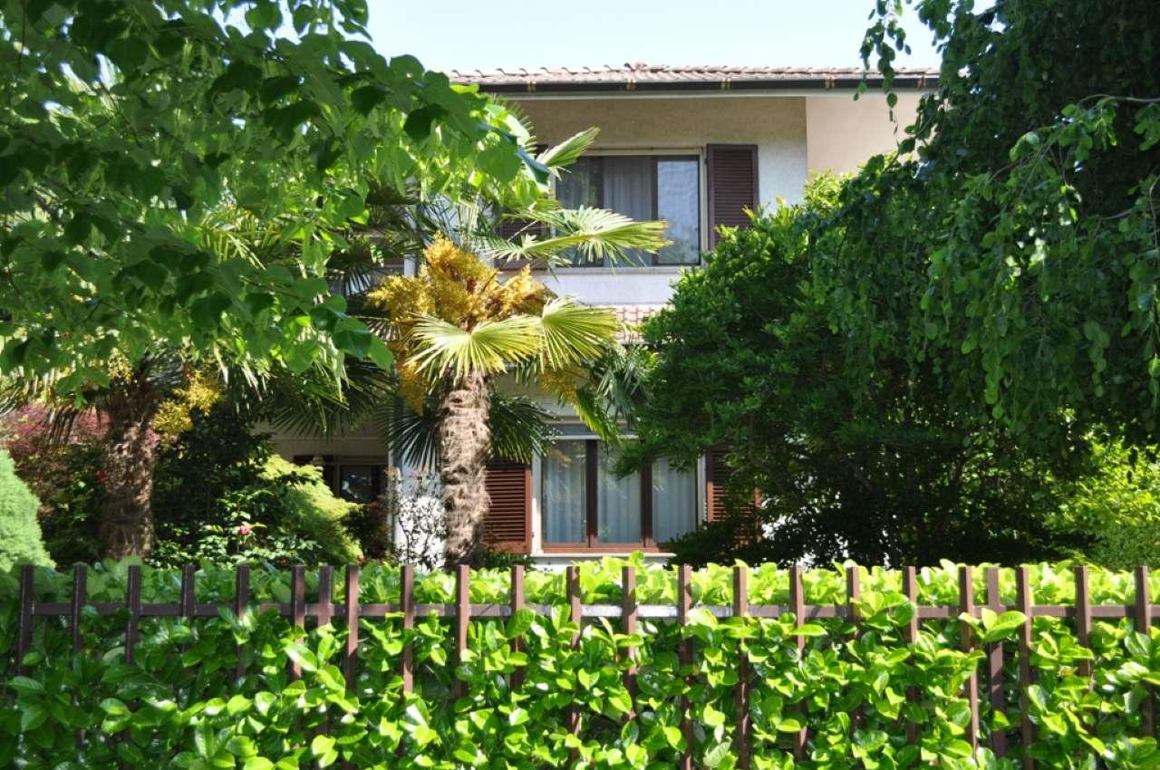 Villa in vendita a Opera, 7 locali, prezzo € 900.000 | PortaleAgenzieImmobiliari.it