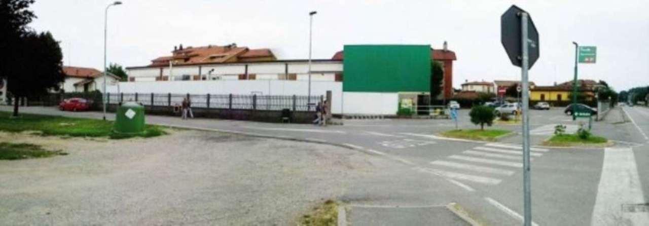 Negozio / Locale in vendita a San Colombano al Lambro, 9999 locali, prezzo € 900.000 | PortaleAgenzieImmobiliari.it