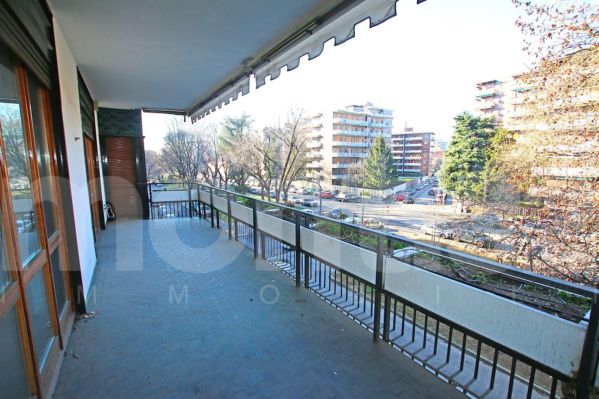 Appartamento in vendita a Milano, 5 locali, zona Zona: 13 . Baggio, Forze Armate, Quinto Romano, Bisceglie, Valsesia, prezzo € 845.000 | CambioCasa.it